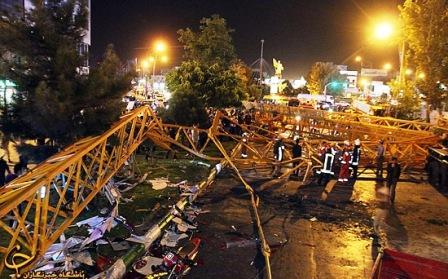 سقوط جرثقیل مشهد بلوار جانباز